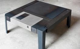 Floppytable – Tisch im Diskettendesign