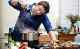 Küchenutensilien mit schickem Design