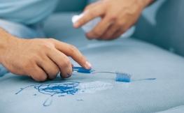 Polster reinigen – Tipps und Tricks
