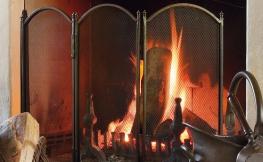 Gemütliche Lagerfeueratmosphäre für Zuhause