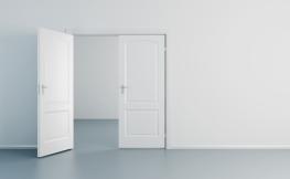 Luftiges Ambiente mit Weißlack Zimmertüren