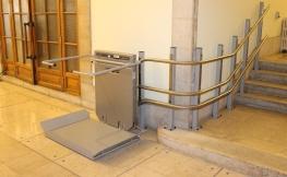 Barrierefrei wohnen mit Treppenliften