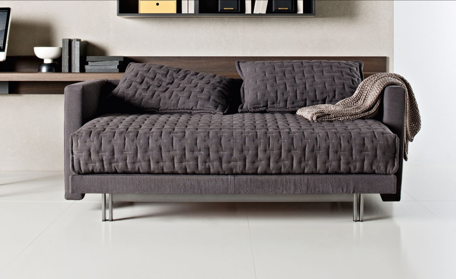 kleine r ume with sofa mit schlaffunktion das schlafsofa also sofa. Black Bedroom Furniture Sets. Home Design Ideas