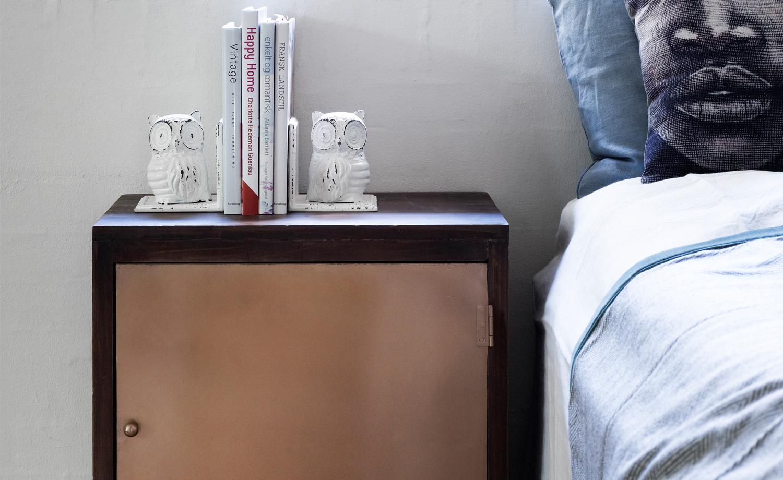 das schlafzimmer mit sch nen accessoires umgestalten. Black Bedroom Furniture Sets. Home Design Ideas