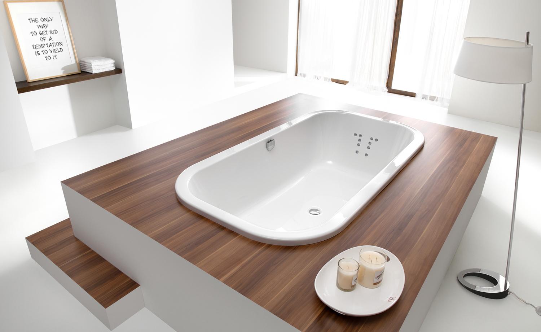 badewanne modern interior design und m bel ideen. Black Bedroom Furniture Sets. Home Design Ideas
