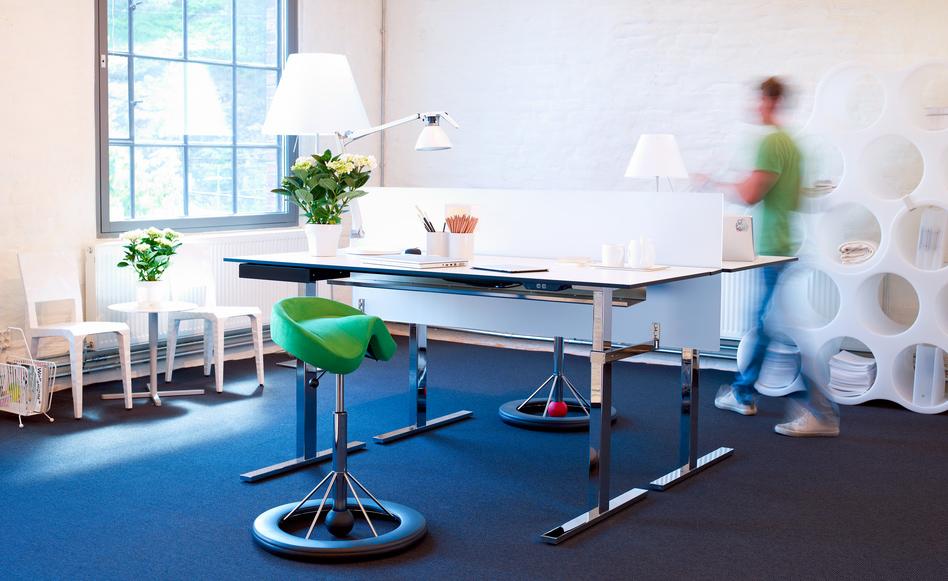 bequem und gesund sitzen. Black Bedroom Furniture Sets. Home Design Ideas