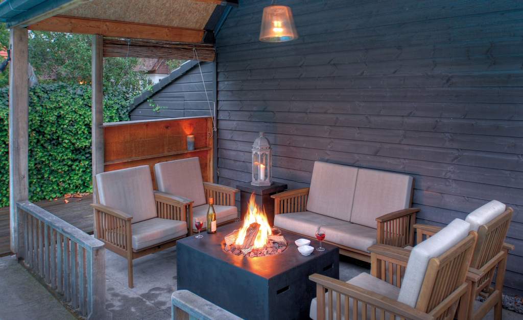 tischfeuer mehr behaglichkeit im wohnzimmer. Black Bedroom Furniture Sets. Home Design Ideas