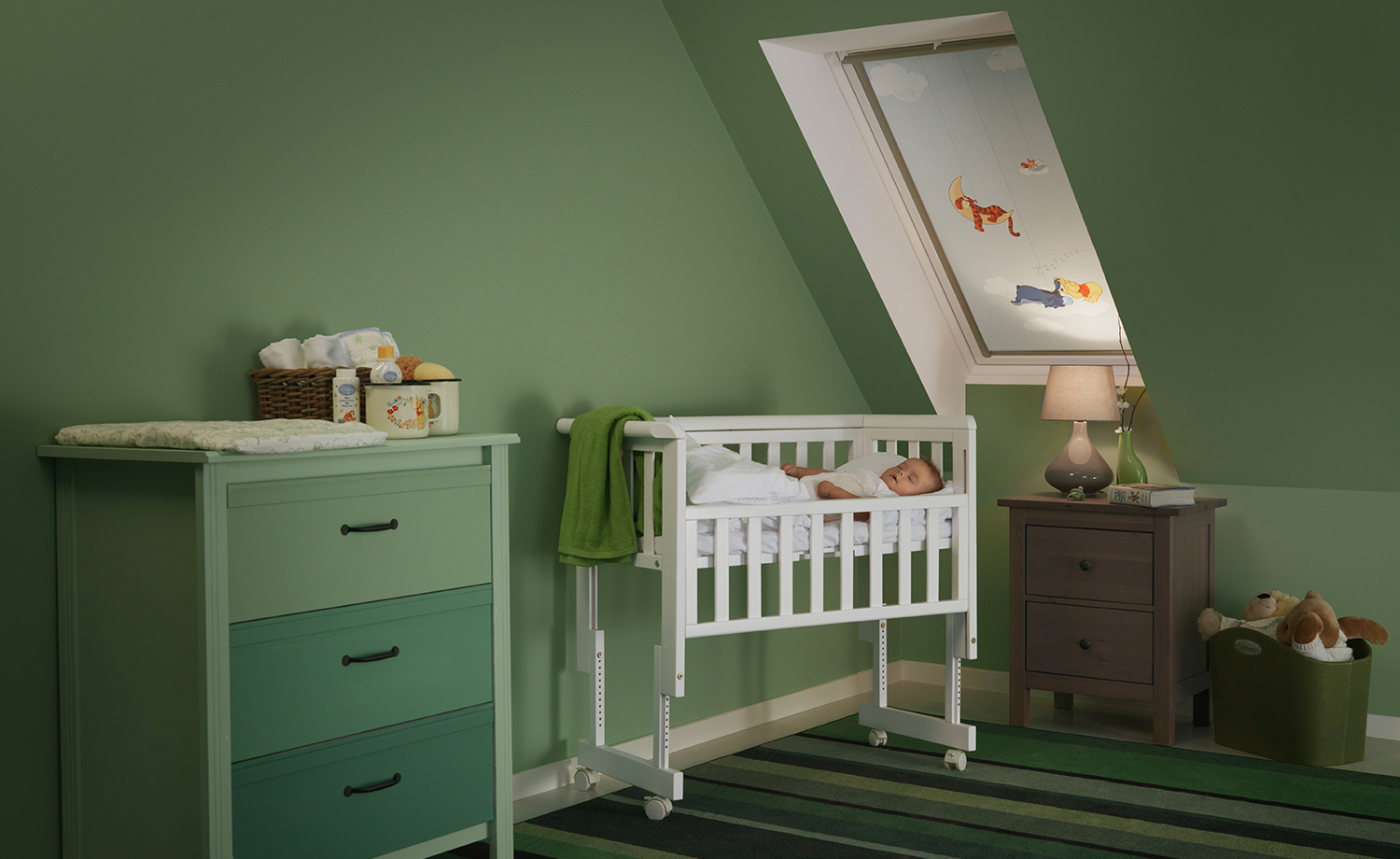 fensterdekoration f r das kinderzimmer. Black Bedroom Furniture Sets. Home Design Ideas