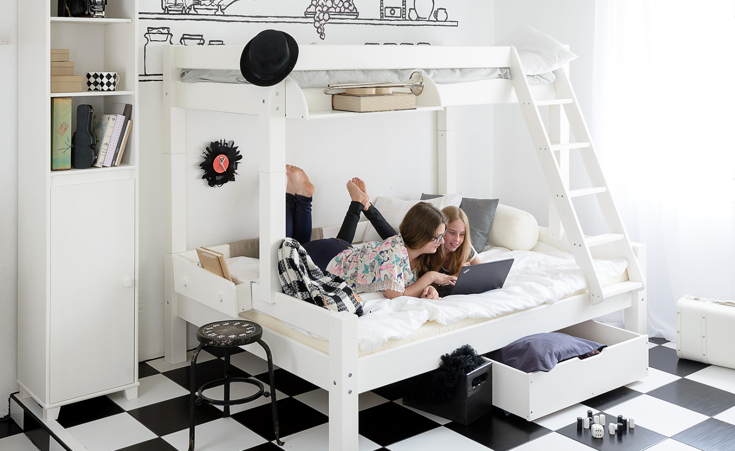 sch ne und verspielte kinderbetten. Black Bedroom Furniture Sets. Home Design Ideas
