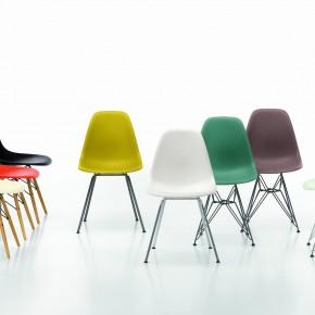 Vitra Stuhl Eames Plastic Chair Gruppe bunt