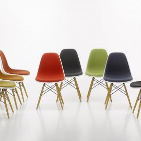Vitra Stuhl Eames Plastic Chair Gruppe Holzbeine