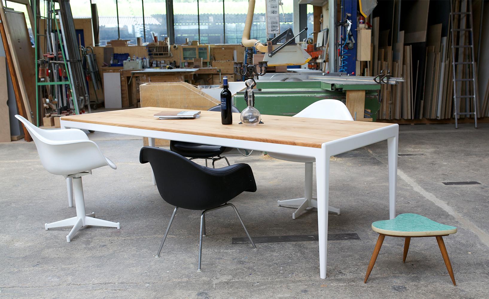 ein tisch f rs leben. Black Bedroom Furniture Sets. Home Design Ideas