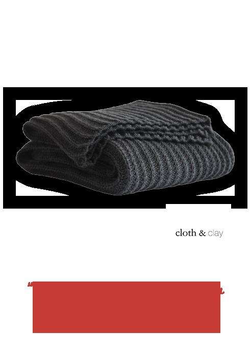 eine Strickdecke von Cloth & Clay
