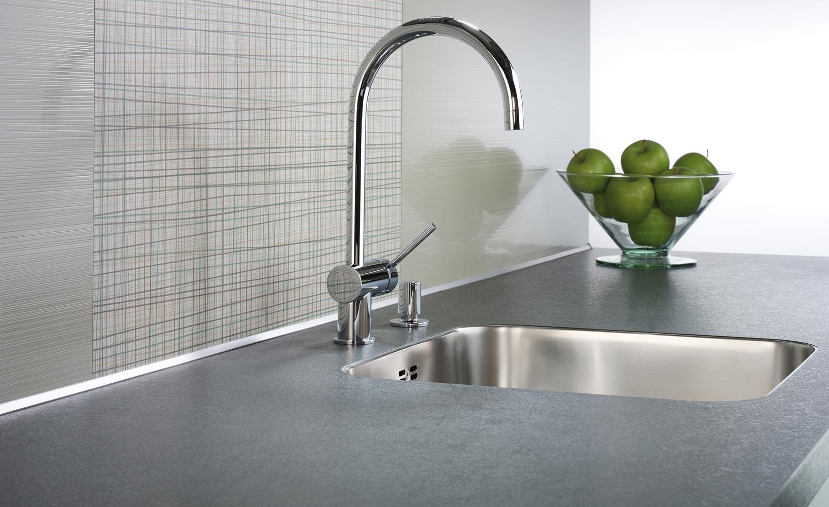Kuche arbeitsplatten home design ideen for Arbeitsplatten für küche