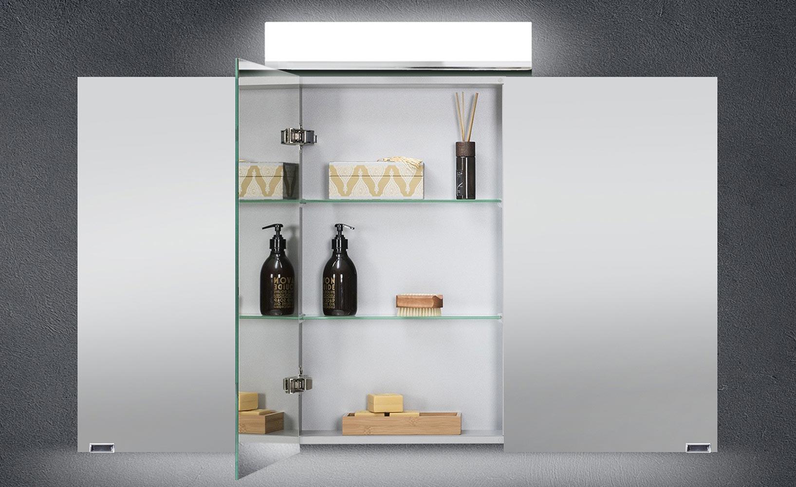 Ordnung und Stil im Badezimmer dank Spiegelschränken
