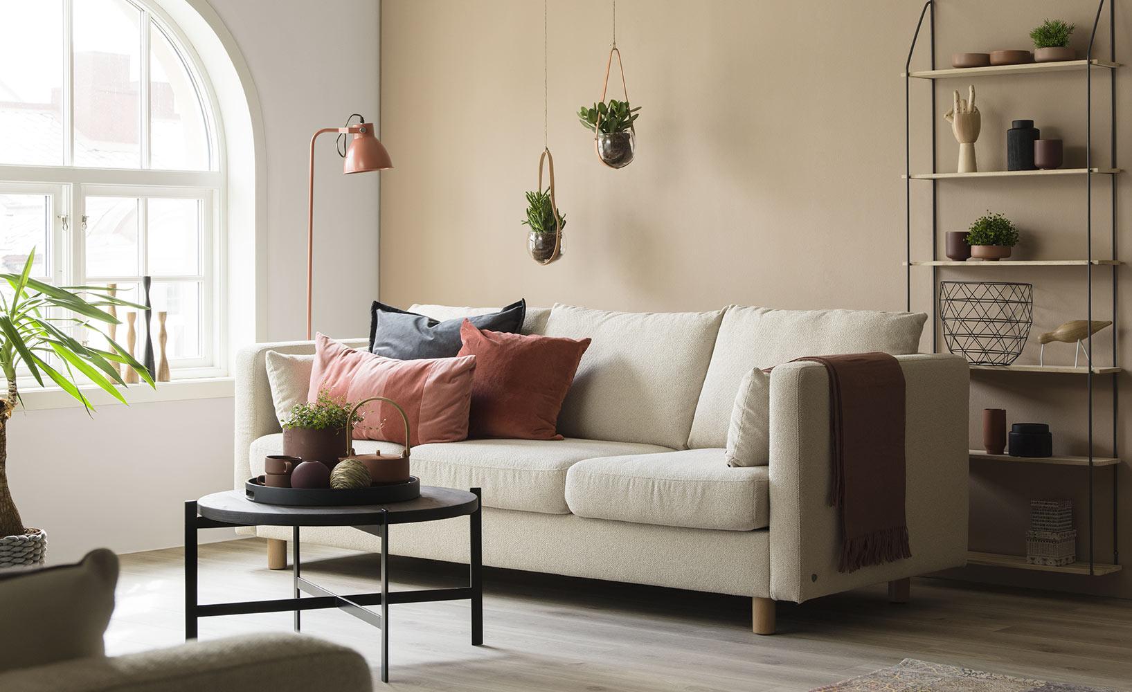Das ideale Sofa für kleine Wohnzimmer finden, so geht\'s!