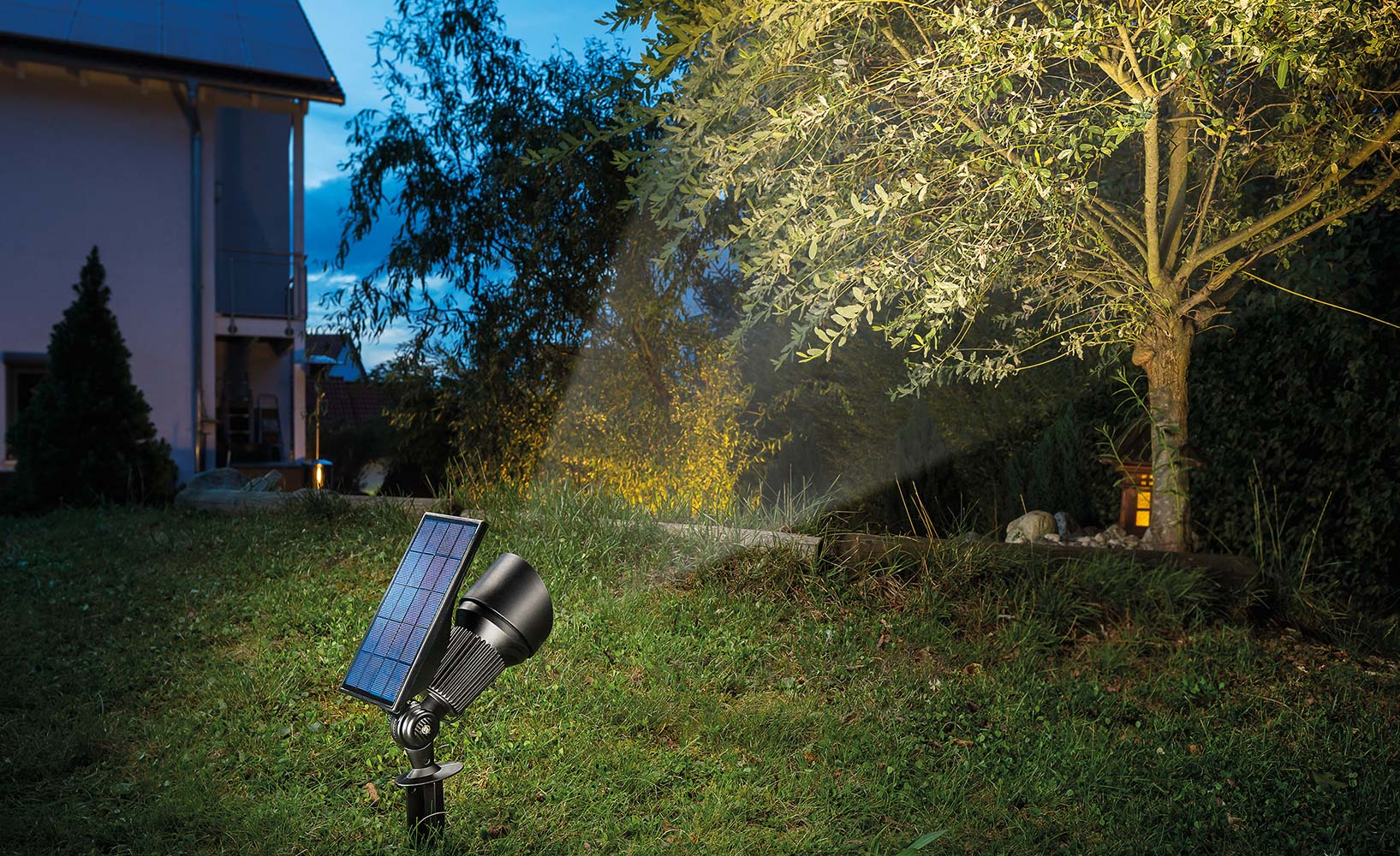 kreative Außengestaltung mit Solar-LEDs