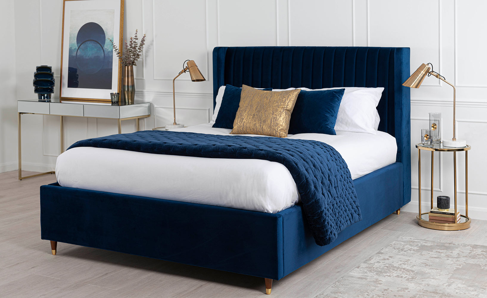 Classic Blue als Möbelfarbe