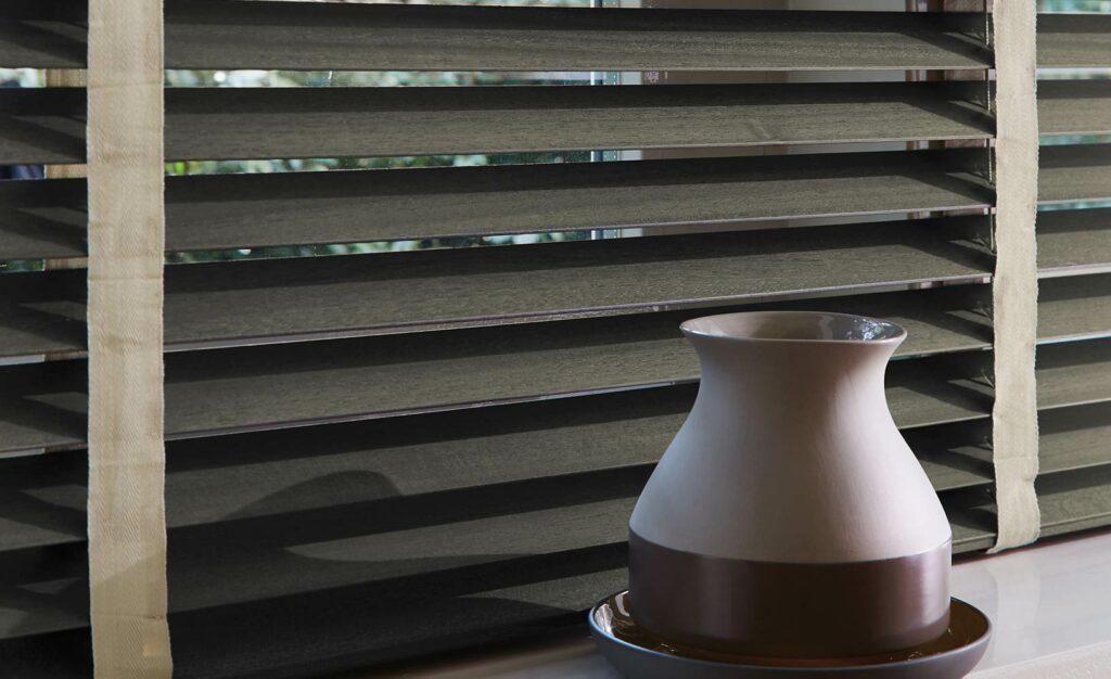 Passgenauer Sichtschutz für Fenster: Jalousien nach Maß