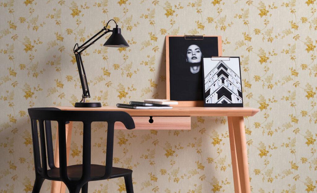 Tapeten im Landhaus-Stil mit floralem Muster
